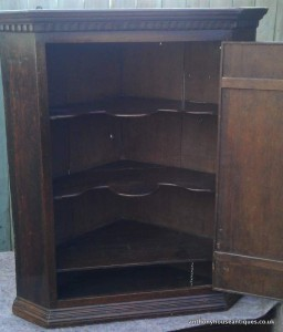 oak-corner-cupboard-interior